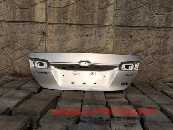 수입차 중고부품 - 도요타 캠리 7세대) 트렁크/백도어. 호환차종: 1
