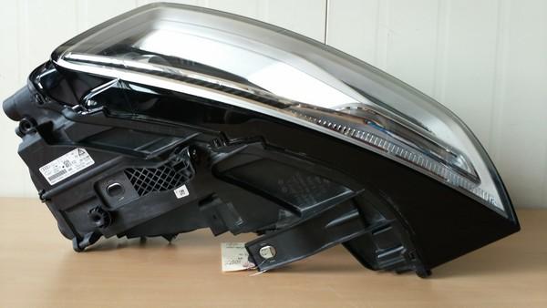 수입차 중고부품 - 아우디 Q3 1세대 헤드라이트 운전석. 호환차종: 1 8U0941043C,8U0941005C