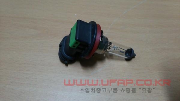수입차 중고부품 - 크라이슬러 300C 2세대 안개등 전구. 호환차종: 7 L0000H11