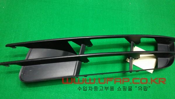 수입차 중고부품 - 아우디 Q7 1세대 안개등 그릴 운전석. 호환차종: 1 4L080768101C