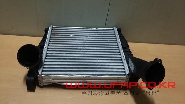 수입차 중고부품 - 아우디 Q7 2세대 인터쿨러 운전석. 호환차종: 2 7L6145803D