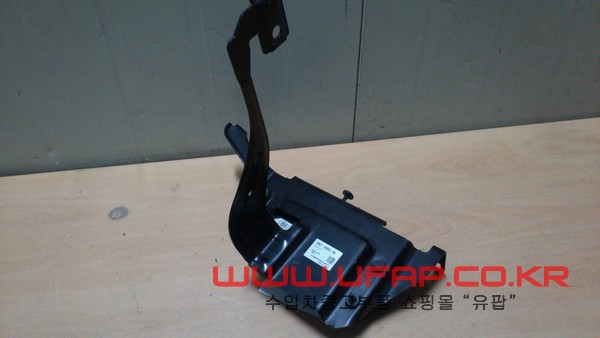 수입차 중고부품 - 포드 익스플로러 5세대 속도 컨트롤 모듈. 호환차종: 5 DG1T9G768BA,DG1Z9E731C