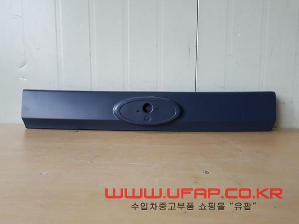 수입차 중고부품 - 포드 이스케이프 2세대 트렁크 트림. 호환차종: 1 8L8478425A22