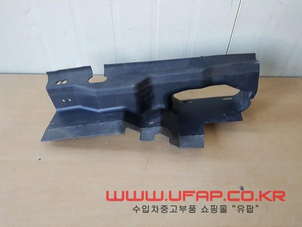 수입차 중고부품 - 포드 머스탱 5세대 컨버터블 디플렉터 운전석. 호환차종: 6 AR338103AB,AR3Z8311B
