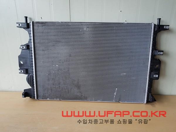수입차 중고부품 - 포드 퓨전 2세대 라디에이터. 호환차종: 2 DG9Z8005B,DG938005BB