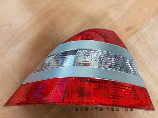 수입차 중고부품 - 벤츠 S클래스 W220 [LED 후미등, 테일램프, 데루등] 운전석 LED 후미등, 테일램프, 데루등 운전석. 호환차종: 2