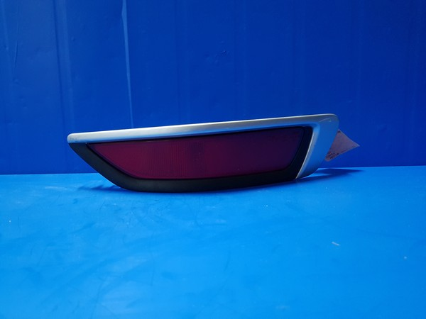 볼보 XC70 3세대 뒷범퍼 리플렉터. 조수석 호환차종: 1 31353579