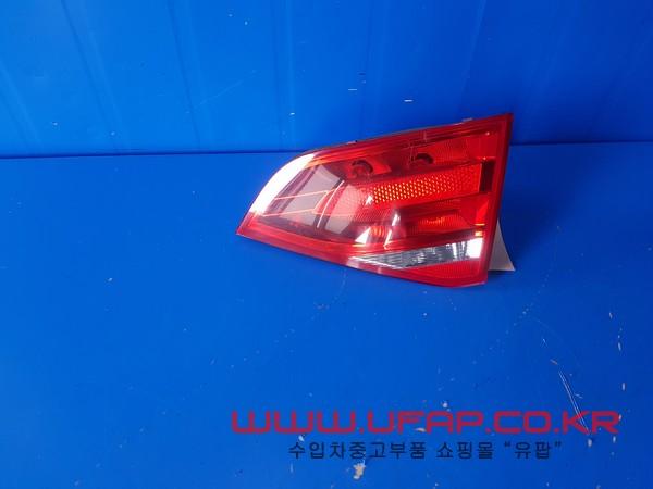 아우디 A4 4세대9~~12연식)  트렁크 후미등.  조수석  호환차종: 1   8K5945094D