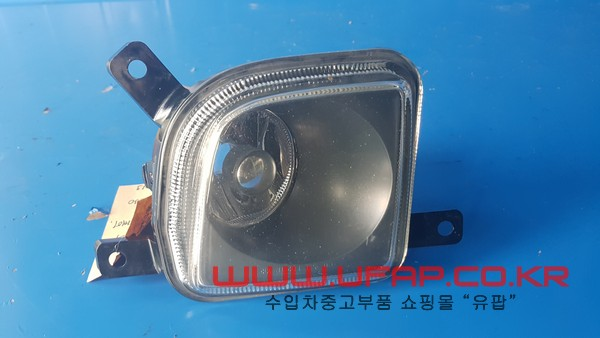 크라이슬러 크로스파이어   안개등.   운전석  호환차종: 1   05099703AA,68020657AA