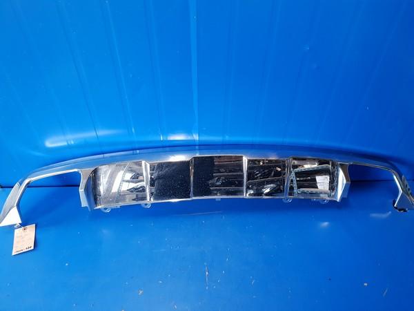 수입차 중고부품 - 벤츠 GLK클래스 X204   뒷 범퍼 하단 크롬몰딩.  호환차종: 2   2048857423