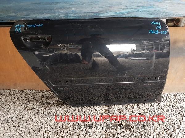 수입차 중고부품 - 아우디 A8 2세대2~~03연식)  뒤 도어.  조수석  호환차종: 3   4E4833306D