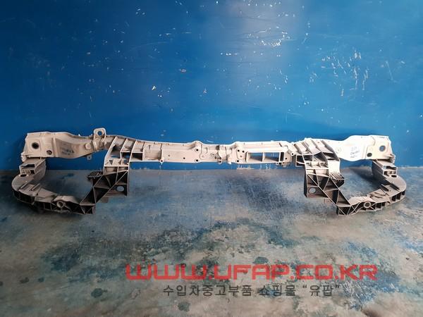 수입차 중고부품 - 포드 쿠가 2세대   앞 판넬.  호환차종: 1   CV448B041A,1788544