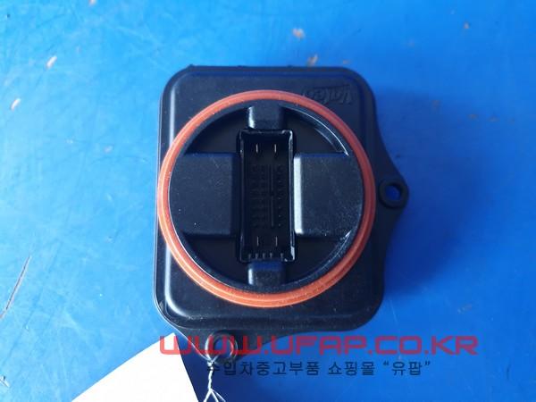 수입차 중고부품 - 지프 그랜드체로키 4세대   라이트레벨링 모듈.   운전석  호환차종: 1   68248628AA