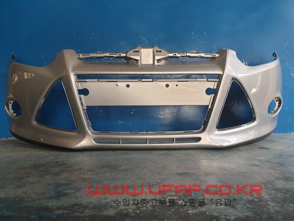 수입차 중고부품 - 포드 포커스 3세대   앞 범퍼.-주차센서 있는 타입  호환차종: 2   BM5117757CFPRAA,BM5Z17D957CAPTM