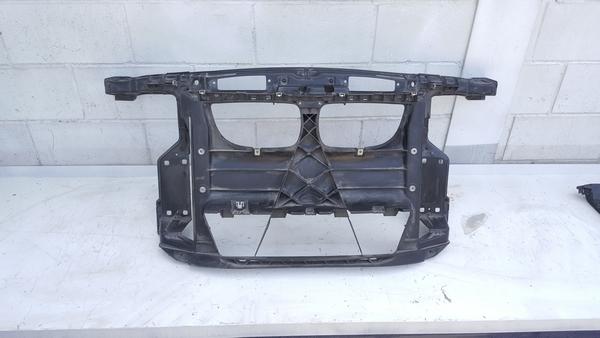 수입차 중고부품 - BMW 1시리즈 E82 앞 판넬. 호환차종: 3 51647193192